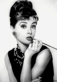 Audrey Hepburn ~ Breakfast at Tiffany's Audrey Hepburn Wallpaper, Arte Audrey Hepburn, Audrey Hepburn Photos, Actrices Hollywood, Poster S, Portraits, White Aesthetic, Classic Beauty, Old Hollywood
