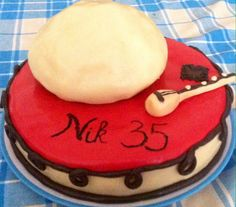 Albanian cake inspired by traditional clothes