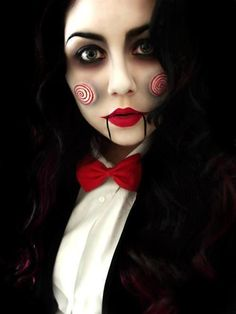 Check Out 21 Unique Halloween Makeup Ideas To Try. Halloween make ups are an amazing solution for Halloween. You can make incredible mask just with makeup. Looks Halloween, Cool Halloween Makeup, Halloween Zombie, Jigsaw Halloween, Vintage Halloween, Vintage Witch, Halloween Stuff, Easy Halloween, Costume Halloween