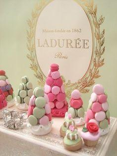 Died and gone to Heaven! Cake Shop Design, Bakery Design, Macroon Cake, Macaroons Wedding, Birthday Cale, Laduree Paris, Macaron Tower, Berry Compote, Afternoon Tea Parties