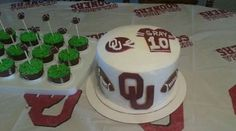 """""""OU"""" Cake decorated with fondant"""