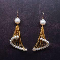 Pearls and chain earrings DIY Wire Jewelry, Beaded Jewelry, Jewelery, Handmade Jewelry, Dainty Jewelry, Wire Wrapped Earrings, Women's Earrings, Design Celta, Bijoux Fil Aluminium