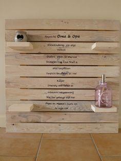 Handgeschilderd opa en oma bord op sloophout gemaakt door van Meurs verbouw & interieur. Ook naar eigen wensen en maten te bestellen.  www.facebook.nl/vanmeursverbouw