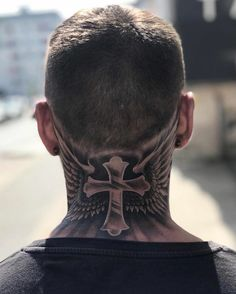 Scary Tattoos, Dope Tattoos, Head Tattoos, Tattoos For Guys, Back Of Neck Tattoo Men, Front Neck Tattoo, Hals Tattoo Mann, Tattoo Hals, Lion Tattoo Sleeves