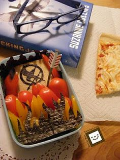 Hunger Games bento box (okay, so it's not cake, but...)