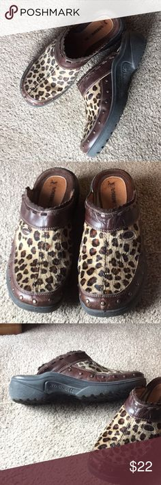 68e6e2ac8744a3 Romika animal print furry clog 40