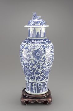 ♥ ~ ♥ Blue and White ♥ ~ ♥ Jar with lid early century Qing dynasty Porcelain with cobalt pigment under clear glaze H: W: D: cm Jingdezhen, China Blue And White China, Blue China, Love Blue, Modern Ceramics, White Ceramics, Ginger Jars, Chinese Antiques, White Decor, Chinese Art