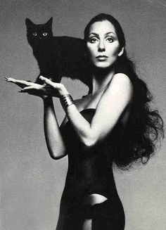Cher (and a black cat) by Richard Avedon Crazy Cat Lady, Crazy Cats, Celebrities With Cats, Celebs, Animal Gato, Cat People, I Love Cats, Old Hollywood, Cats And Kittens