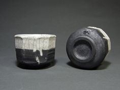 Raku ceramic cups Japanese Ceramics, Modern Ceramics, Ceramic Techniques, Ceramic Cups, Unique Art, Rings For Men, Clay, The Incredibles, Pottery