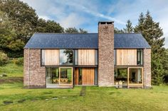 Hausfassade - Kombination von unterschiedlichen Materialien