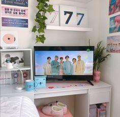 Cute Room Ideas, Cute Room Decor, Room Ideas Bedroom, Bedroom Decor, Teen Bedroom Organization, Army Room Decor, Game Room Design, Aesthetic Rooms, Room Goals