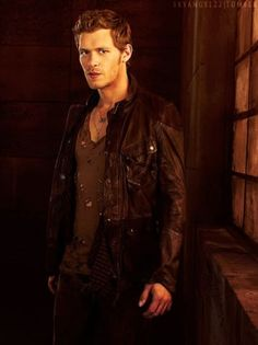 22 Reasons Why Klaus Is An Undeniably Hot Sociopath