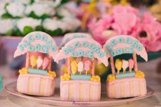 Blog Encontrando Ideias Amusement Park Party, Mini Mouse, Candyland, Biscuit, Frosting, Fondant, Alice, Miniatures, Cupcakes