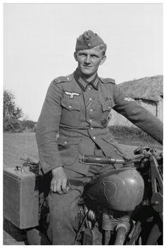 Немецкий мотоциклист на NSU. фото Franz Grasser