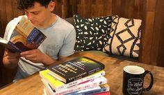 ✈️📚 7 Favorite #Travel Books Worth Reading in 2017