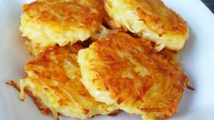 These crispy cheesy hash browns are absolutely delicious, and so simple to make - they'll be on your plate for breakfast in no time. Potato Dishes, Potato Recipes, Food Dishes, Side Dishes, Main Dishes, Brunch Recipes, Breakfast Recipes, Dinner Recipes, Breakfast Casserole