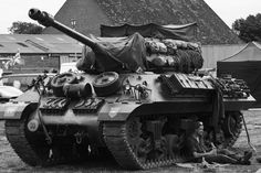 an American made Tank Destroyer used by the British, and modified by using a British main gun. M10 Wolverine, M10 Tank Destroyer, Image Avion, Operation Market Garden, Ww2 Pictures, Sherman Tank, Military Armor, Armored Fighting Vehicle, Ww2 Tanks