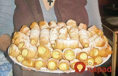 Un desert rapid, care garantat vă va ieși mult mai fain decât varianta din… Romanian Desserts, Romanian Food, Sweets Recipes, Cake Recipes, Good Food, Yummy Food, Food Cakes, Delicious Desserts, Sweet Treats