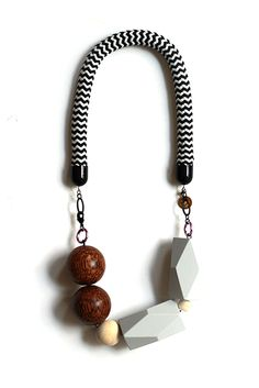 rope_necklace_light_grey