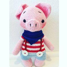 @strick_und_haekelbiene ich liebe deinen Freddy!!!!!  Pattern /Anleitung in my etsy shop  #amaloudesigns #pattern #anleitung #freddythepiglet #piglet #amigurumi #amigurumidoll #doll #dolls #handmadetoy #crochetlove #crochetersofinstagram #kawaii #schwein #ferkel