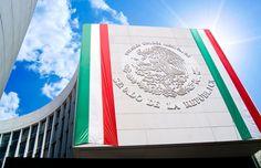 ] MÉXICO * 27 de abril de 2017. El Senado mexicano aprobó este jueves un proyecto de ley que impondría sentencias más largas por desapariciones forzadas y que pide la creación de un sistema nacional para la búsqueda de personas desaparecidas. La medida fue aprobada por votación de 90-3, con tres...