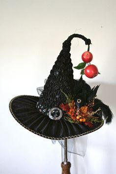 3ac585b51a859 Elegant Handmade Victorian Witch Hat by Studio Sisu by StudioSisu Sombreros  De Brujas
