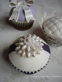 my cupcakes won't look like this.. but a girl can dream.