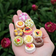 Polymer Clay Cake, Polymer Clay Miniatures, Polymer Clay Charms, Miniature Crafts, Miniature Food, Diy Clay, Clay Crafts, Barbie Food, Mini Craft