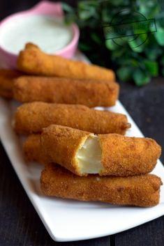 Mozzarella Sticks, Cornbread, French Toast, Cheese, Breakfast, Ethnic Recipes, Food, Kitchens, Millet Bread