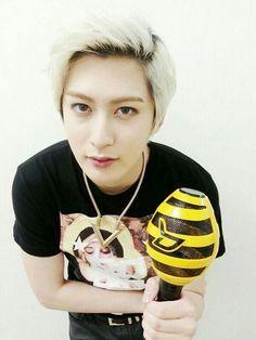 Jaehyo with Block B lightstick.