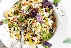 Tagliatelle mit Kräutern und Zucchini-Rahmsauce   Frisch Gekocht