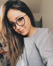 Resultado de imagem para fotos Mharessa Fernanda com oculos de grau a9d909c065