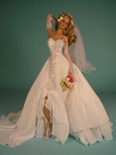 BRIDE Ceremony On Carmel Beach Bride Doll by Cindy McClure 2000 Ashton Drake