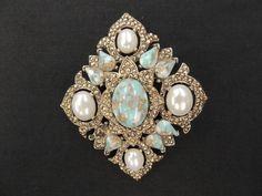 Vintage Designer Sarah Cov. Lg Goldtone White Blue Cabochon Diamond Brooch Pin  #SarahCoventry