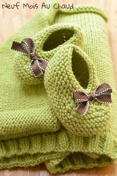 Brassière et chausson vert ..