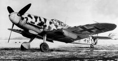 Bf.109G-2/R6 из эскадры JG5 «Eismeer» («Полярное море») на финском аэродроме. Видны характерные для модификации Bf.109G-2/R6 подкрыльевые 20-мм авиапушки MG 151/20.