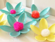 Spring Flowers Made Using Plastic Spoons - could use to make a spring wreath