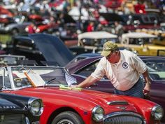 Jim makes front page at Delaware car show September 2014