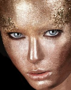 Makeup Artists Meet » All that glitters is gold! What do you think?...