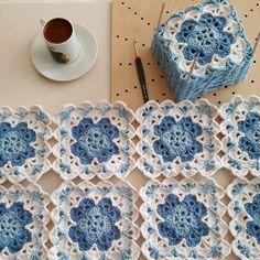 Nem Érhető El Leírás A Fényképhez. Crochet Stitches Free, Granny Square Crochet Pattern, Crochet Squares, Crochet Motif, Granny Squares, Diy Crafts Knitting, Diy Crafts Crochet, Crochet Home, Crochet Projects
