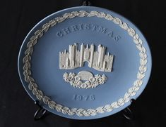 Wedgwood 1976 Christmas Plate Hampton Court Souvenir Wedgwood Jasperware Christmas Plate
