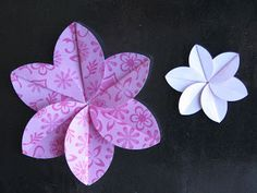 SIMPLY PAPER: Easy Folded Flower Tutorial with a little curl I bet this could look like a plumeria Folded Paper Flowers, Origami Flowers, Diy Flowers, Fabric Flowers, Cute Crafts, Crafts To Do, Paper Crafts, Card Tutorials, Flower Tutorial
