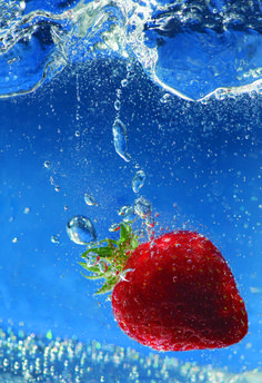 Bryan Peterson, exposure, speed, contrast, colors, strawberry, water