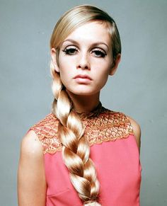 Twiggy's cut crease gives me life. A History in Eyebrows: The Most Popular Shapes of Every Decade - 1960s: Twiggy from #InStyle