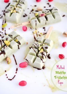 Malted Matcha Pistachio Popsicles {FrozenFriday14} - I Sugar Coat It