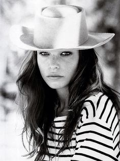 hat envy Star Fashion, Fashion Moda, Fashion Hats, Fashion Beauty, Fall Fashion, Breton Top, Breton Shirt, Hat Hair, Gorgeous Girl