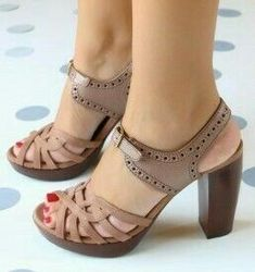 Head over Heels - Chie Mihara:: Tienda de zapatos online:: Shoes. Strap Heels, Pumps Heels, High Heels, Ankle Straps, Cute Shoes, Me Too Shoes, Mel Shoes, Fancy Shoes, Crazy Shoes