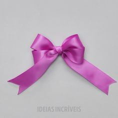 ― Artes, Decor e Jardinagem( 「💃Quer fazer um laço? Curta o post, deixe um comentário e marque uma amiga ou um amigo. Ribbon Hair Bows, Diy Hair Bows, Diy Bow, Diy Ribbon, Ribbon Flower Tutorial, Bow Tutorial, Diy Baby Headbands, Flower Headbands, Diy Hair Accessories