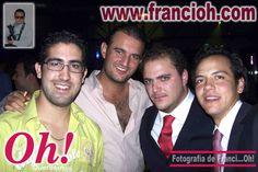 Nicólas con sus Amigos