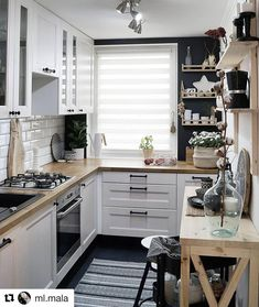 Home Interior Modern look tips and trick for arrangement the space for small kitchen.Home Interior Modern look tips and trick for arrangement the space for small kitchen. Home Decor Kitchen, Kitchen Interior, New Kitchen, Home Kitchens, Kitchen Small, Kitchen Ideas For Small Spaces, Kitchen Layout, Kitchen Modern, Small Kitchen Decorating Ideas